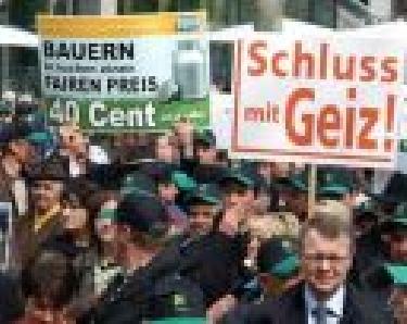 Ruinöse Milchpreise - Bauern verkünden heute (23.04.2008) in Stuttgart ihren Unmut (IV) - Schweinemäster Reiner Müller