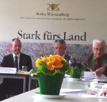 Baden-Württemberg zieht Zwischenbilanz zur Bienenschutzstrategie