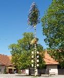 Maibaum in Hüttlingen