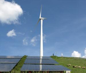 solaranlagen siegen gegen windr der im kostenwettbewerb an land. Black Bedroom Furniture Sets. Home Design Ideas