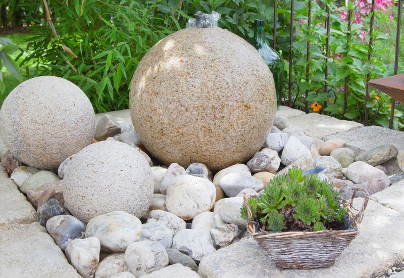 Mit Nur Wenigen Handgriffen Einen Wirkungsvollen Gartenbrunnen
