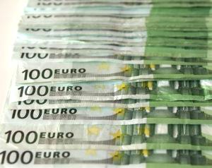 Die Nationalbank führt in den Monaten März, Juni, September und Dezember eine vertiefte geldpolitische Lagebeurteilung durch, die jeweils in einen geldpolitischen Entscheid und in die Publikation einer mittelfristigen, bedingten Inflationsprognose mündet.